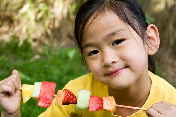 5 Simple Healthy Snacks That Kids Will Love…And Moms Too